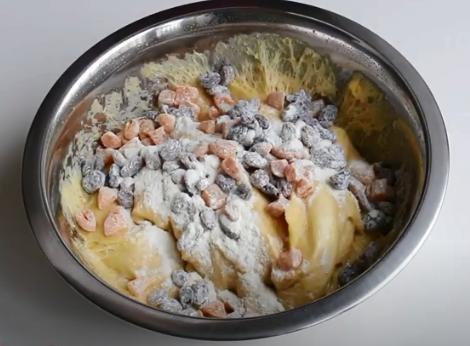 Чтобы получилась итальянская пасха панеттоне, понадобится терпение / Скриншот