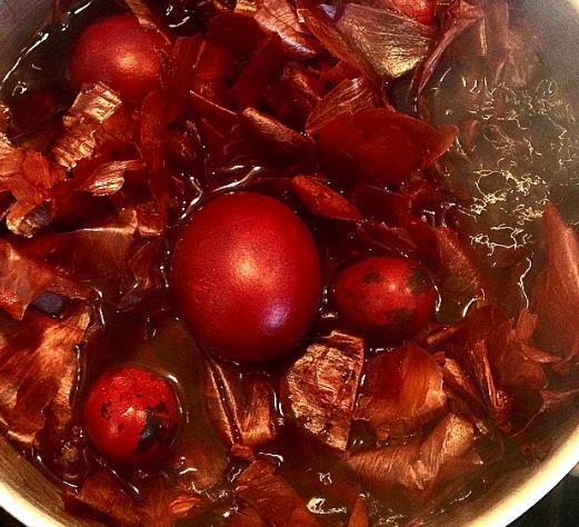 Яйця на Великдень можна пофарбувати класичним способом – Пасхальні яйця