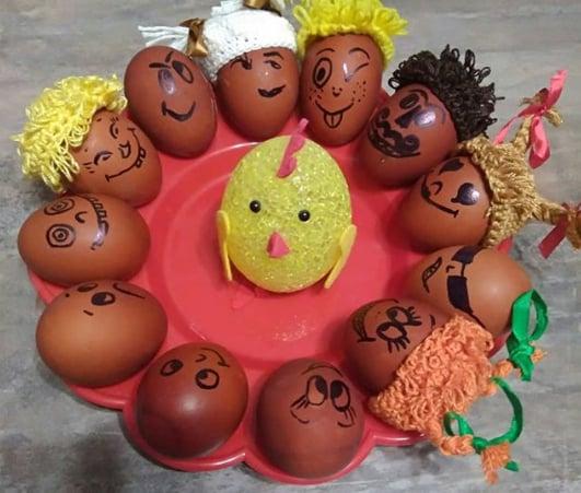 Яйця на Великдень можна прикрасити простими малюнками