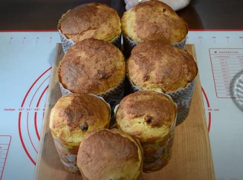 У духовці маленькі паски досить швидко випікаються – Заварна паска – ідеальний рецепт