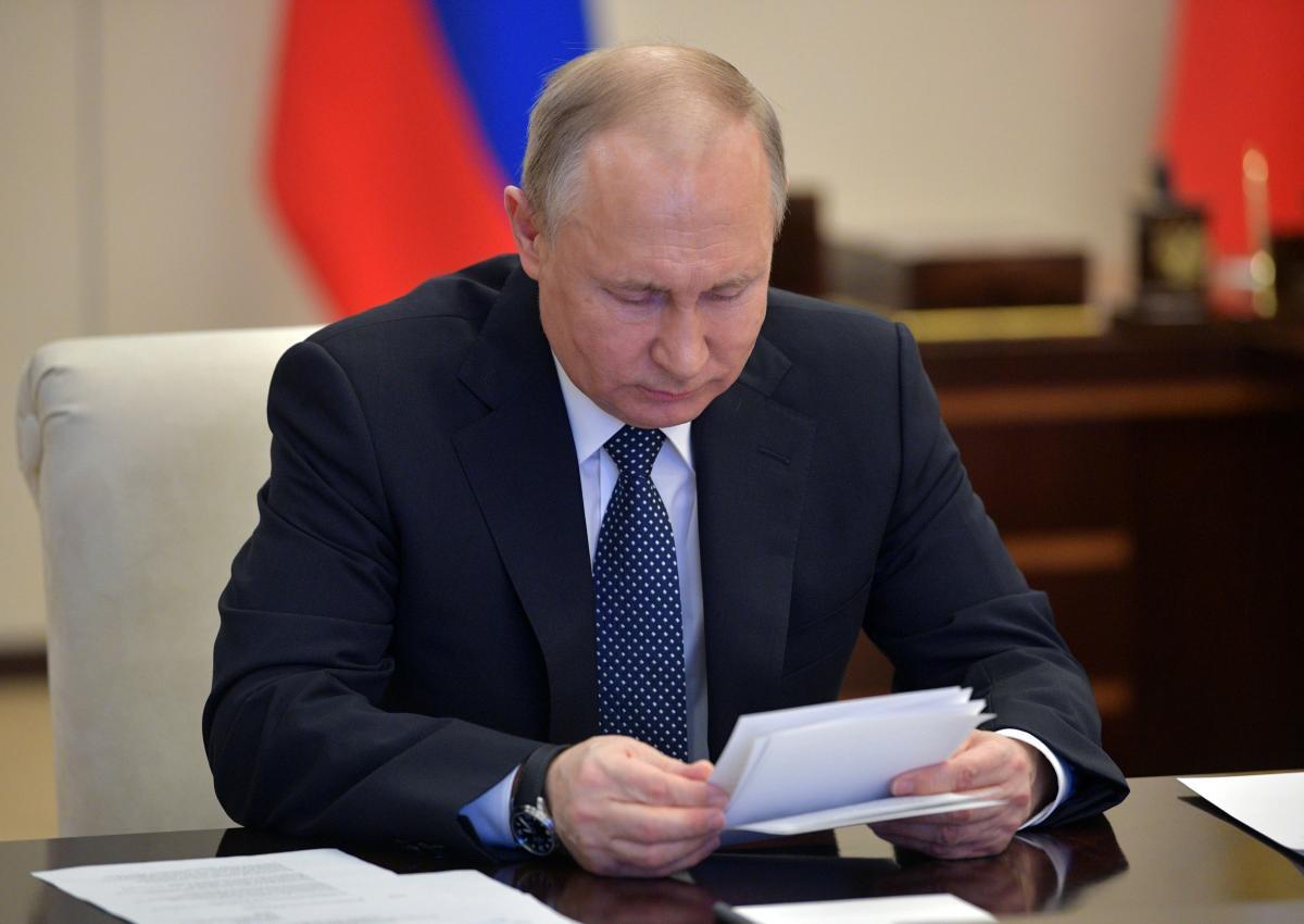 Швец полагает, что из-за информационных вбросов Владимира Путина могут объявить неспособным выполнять свои функции – Путин болен