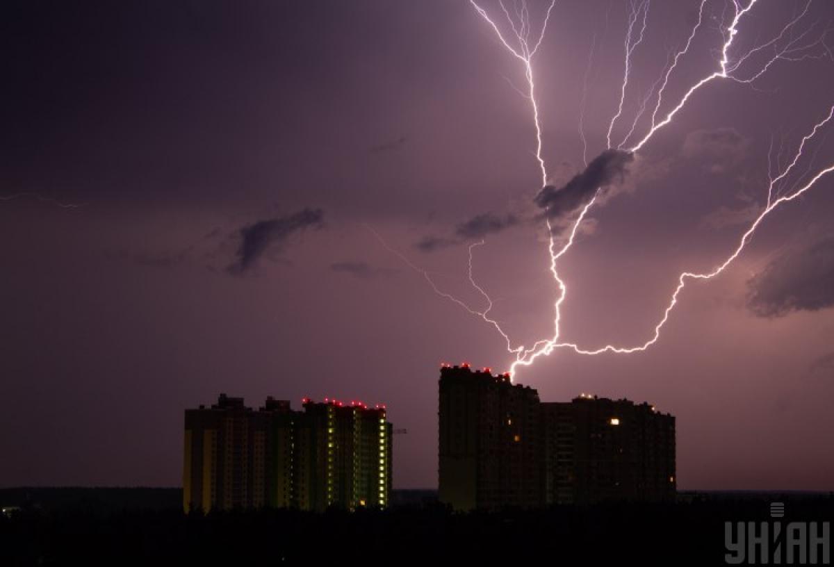 Синоптики предупредили, что сегодня в Киеве до 23:55 ожидается гроза – Погода Киев сегодня