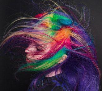 Фарбування волосся обросло міфами / Instagram
