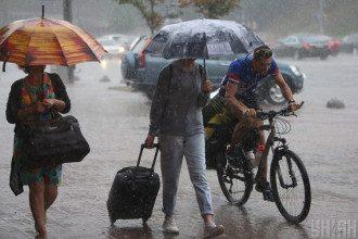 Дощі та хвилю холоду прогнозують у червні