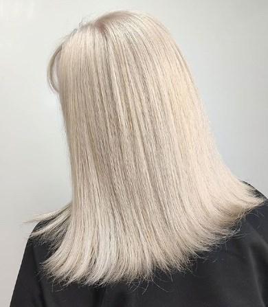 Ровные гладкие волосы старят / Instagram