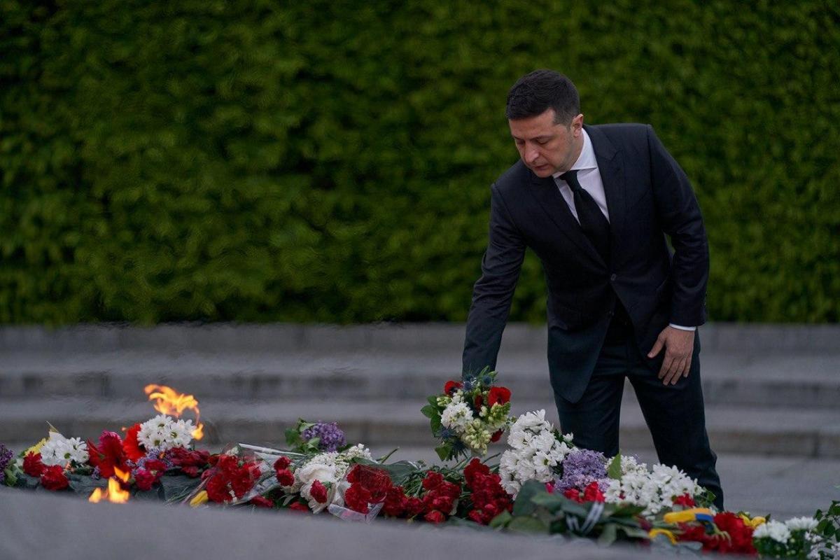 Зеленский почтил память погибших воинов в Киеве / Офис президента