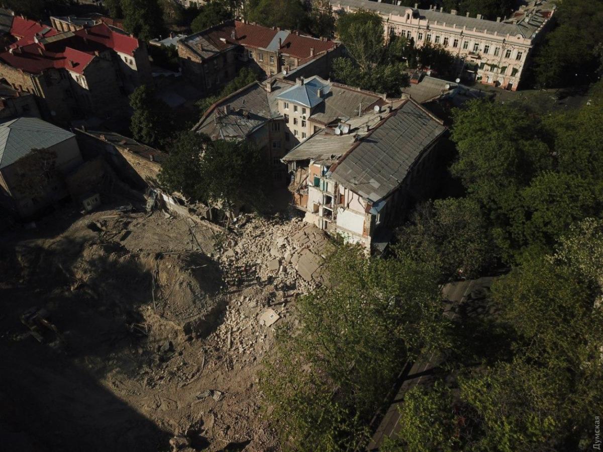 Обвалилась стена дома в Одессе
