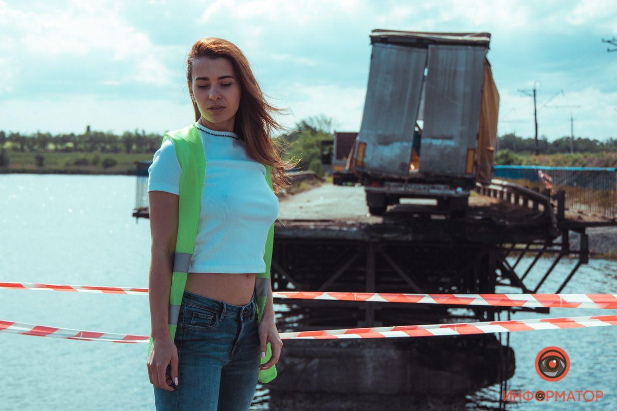 Эротическая фотосессия возле рухнувшего моста в Никополе