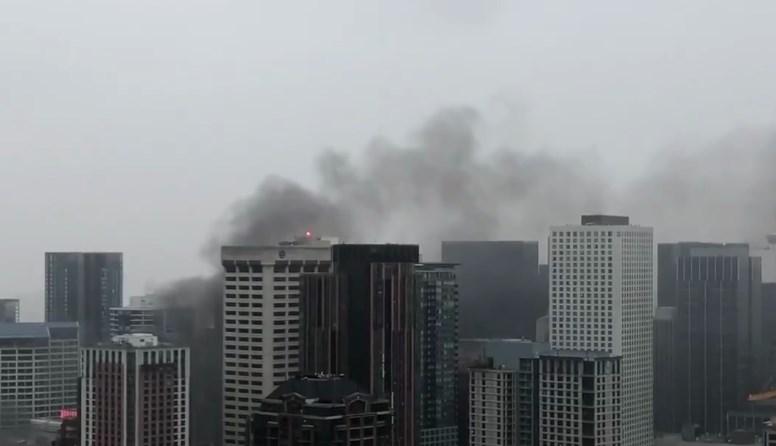 Дым над Сиэтлом  В городе не прекращаются беспорядки, горят полицейские машины