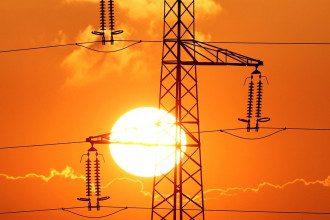 В України повідомили про плани щодо від'єднання від спільної електромережі з Білоруссю та РФ на користь ЄС / Reuters
