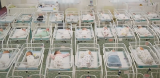 51 немовля очікує виїзду за кордон