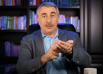 Комаровский сообщил, что с помощью антисептика пшикалка не получится получить дозу, необходимую для дезинфекции рук – Антисептик для рук