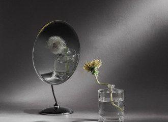 Дзеркала часто використовують для ворожіння і в різних магічних ритуалах