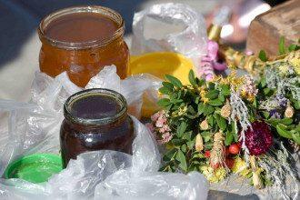 Твердження про те, що нагрітий мед є отрутою – міф, повідомила дієтолог – Чи можна гріти мед