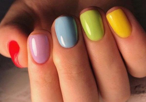 Літній манікюр на короткі нігті