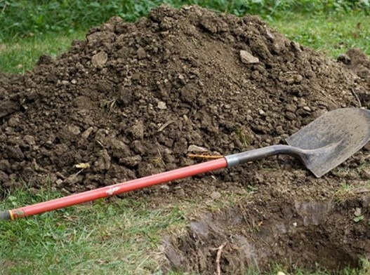 Лопата, могила