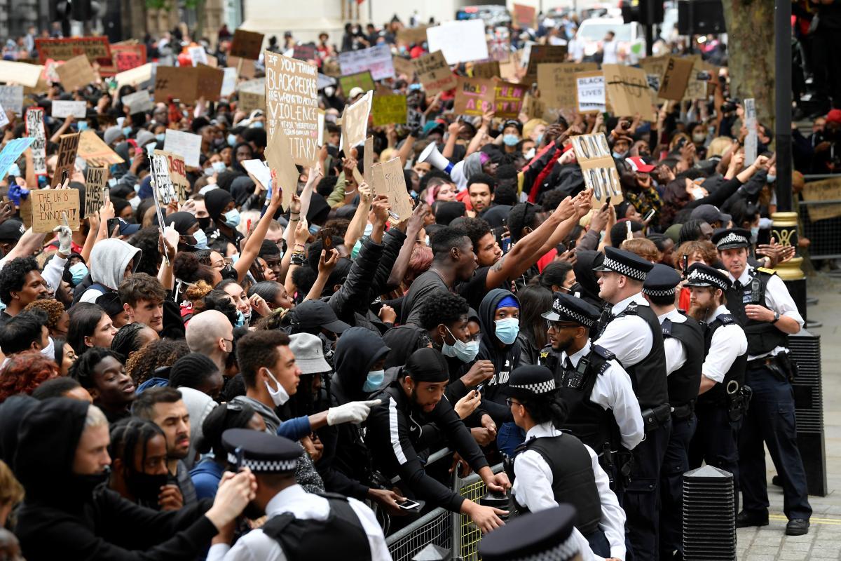 Протесты в Лондоне из-за убийства чернокожего американца Джорджа Флойда