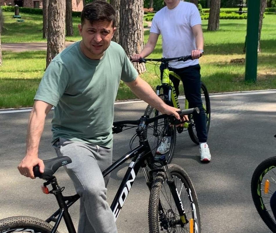 зеленський, велосипед