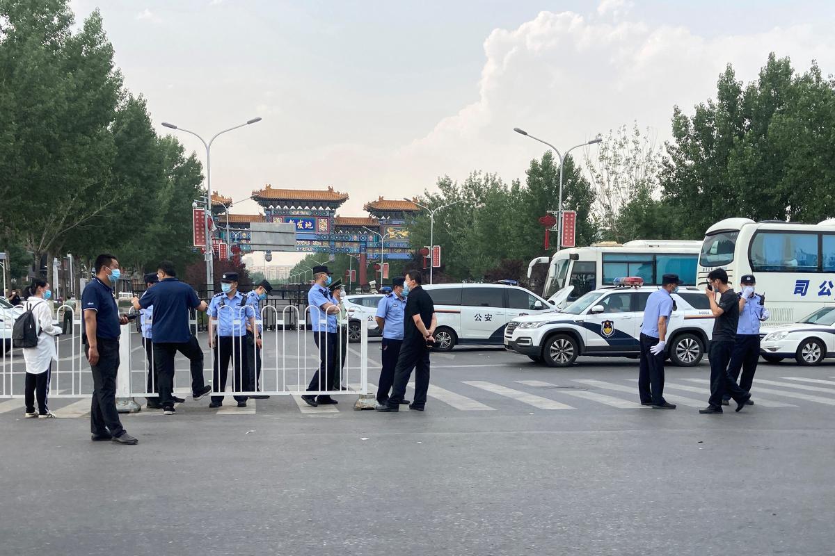 коронавирус в Пекине на рынке Синьфади