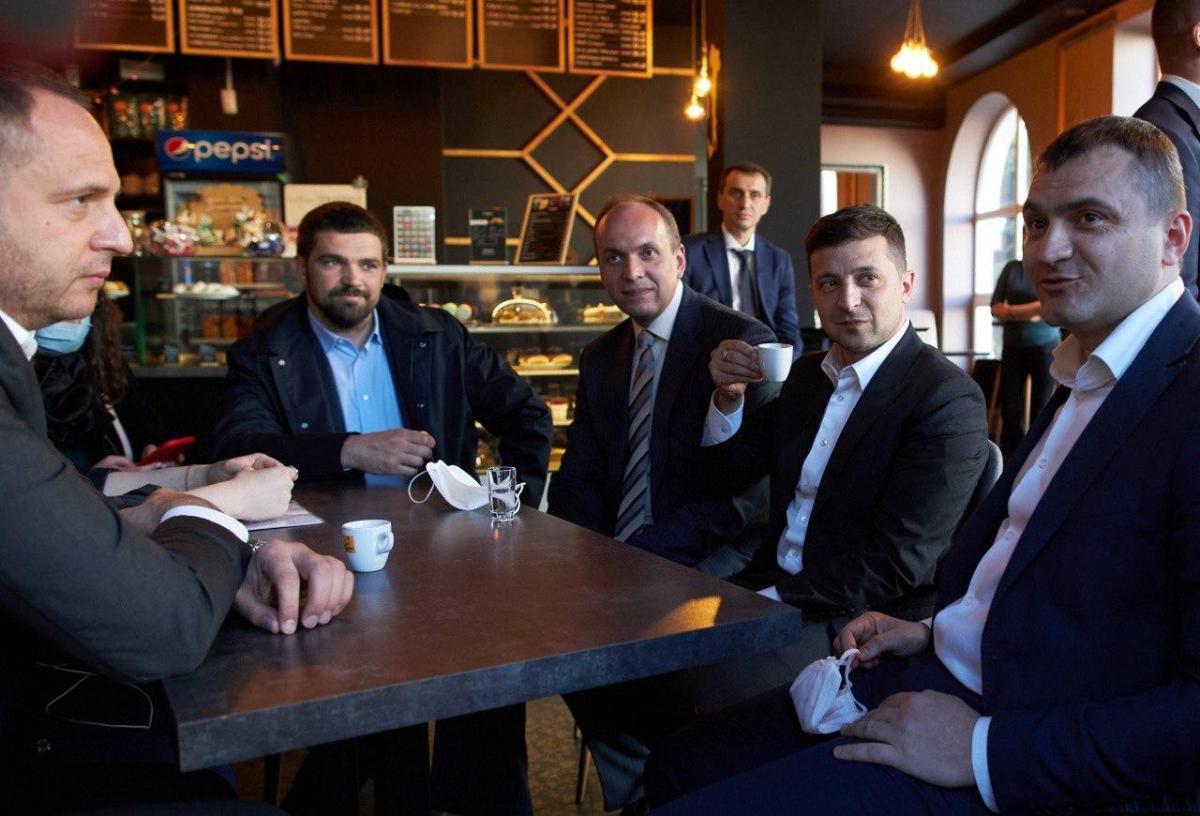 Володимир Зеленський в кафе