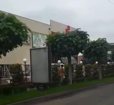 На Закарпатті зазнято на відео голого чоловіка – Новини Ужгорода сьогодні