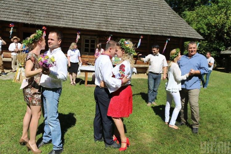 Шлюб, весілля