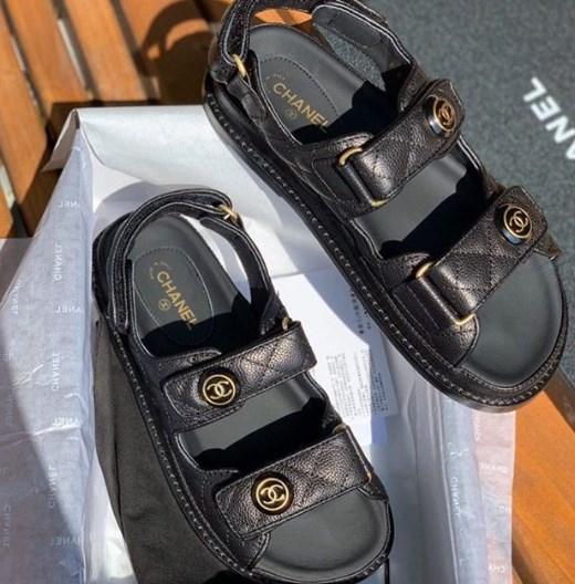 Татусеві сандалі / Instagram