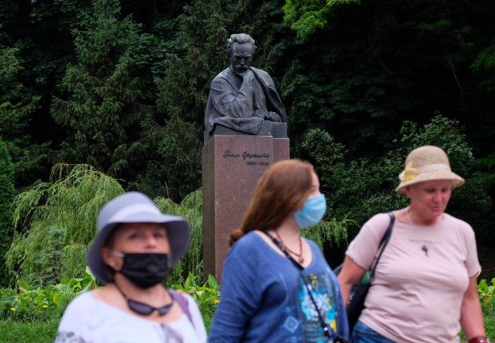 Карантин в Украине - Киев и еще 7 областей остались без послаблений