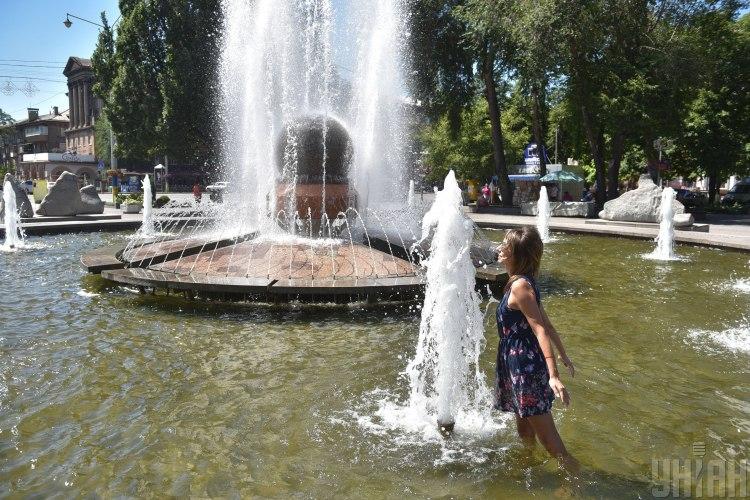 Синоптик спрогнозувала, що в Україні антициклон поборе дощі – Погода в Україні на завтра