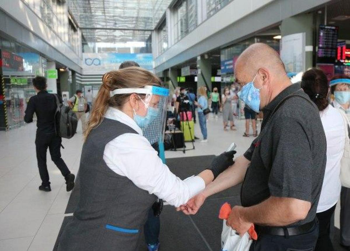 Коронавирус в Украине - как ЕС накажет за то, что рано сняли карантин