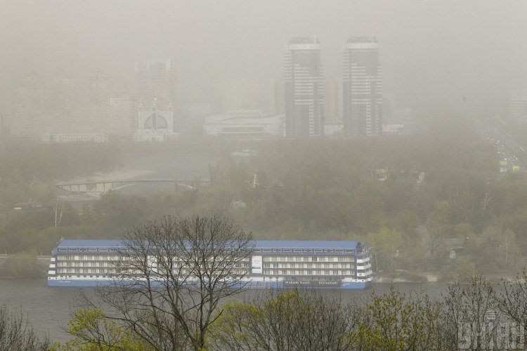 Эколог сообщил, что по Украине ударили сильные пылевые бури из-за уничтожения посадок – Пылевые бури в Украине