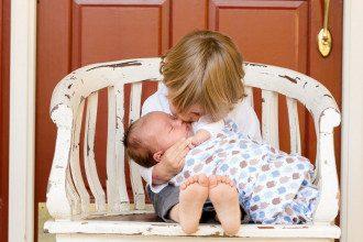 Дитині 1 місяць: вміння, особливості, звички