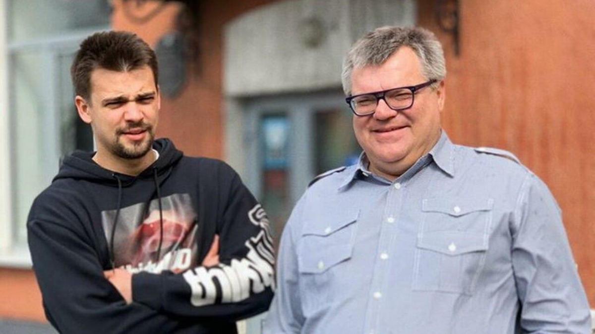 Віктор Бабарико і його син Едуард (ліворуч)