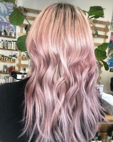 Фарбування волосся рожеве золото