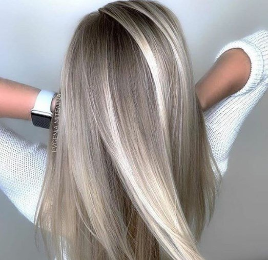 Фарбування не убиває волосся / Instagram