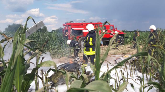 В Киевской области рухнул и сгорел самолет