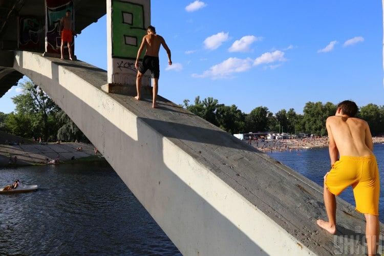 Погода, мост