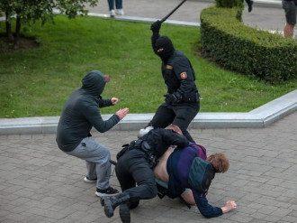 Білорусь протести омон