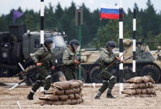 РФ стягує війська до кордонів України