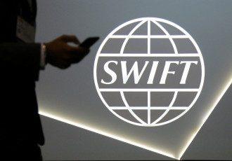У РФ готуються до відключення від SWIFT