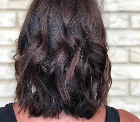 Модне фарбування волосся 2020 для жінок 40+