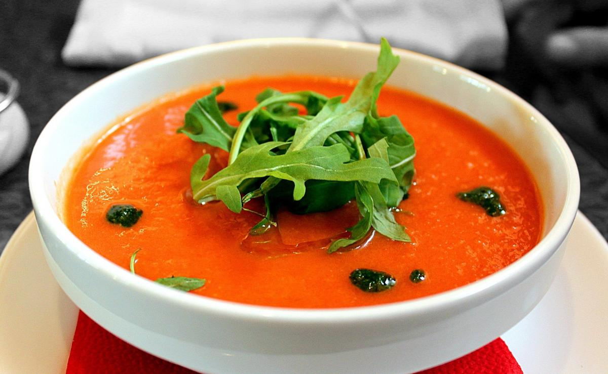 Суп з червоного перцю і кіноа/Pixabay