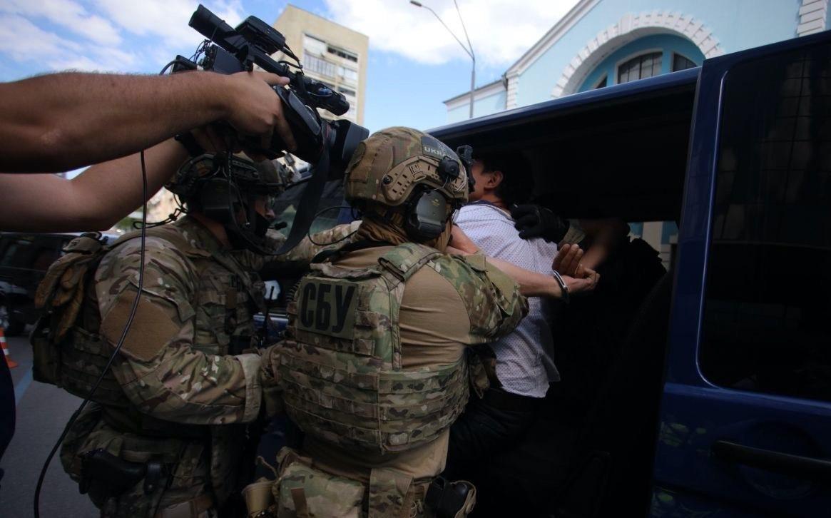 В Киеве мужчина захватил отделение банка и был задержан – Киев новости сегодня