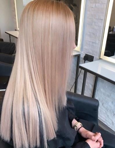 У моду повернулося пряме волосся