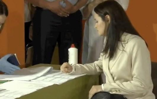 Светлана Тихановская проголосовала / скриншот из видео