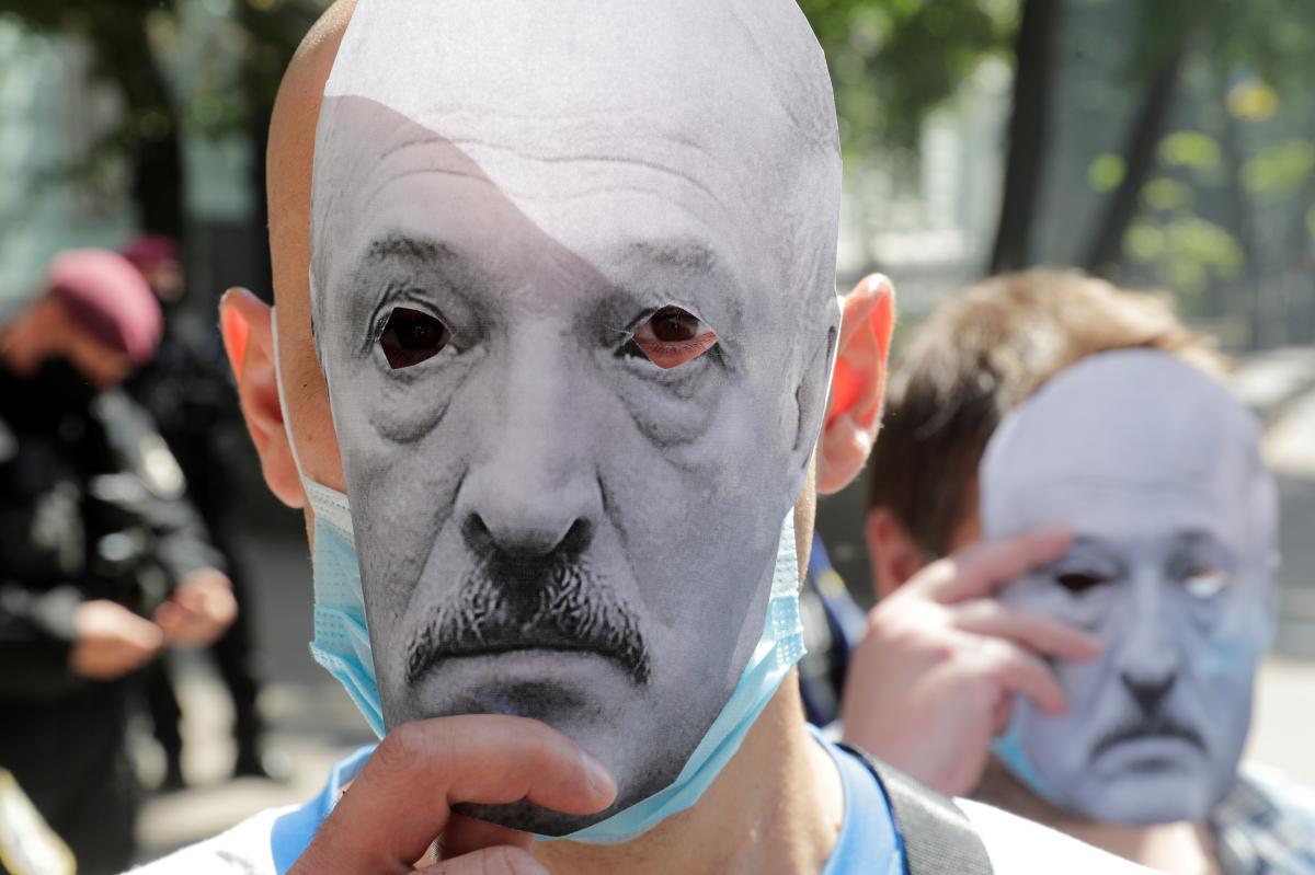 Астролог повідомив, що Лукашенко може зіткнутися з доленосною зрадою – Лукашенко гороскоп 2020 року