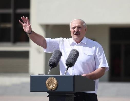 Лукашенко - Избиения – фейк, а силовиков надо простить - Новости Беларуси