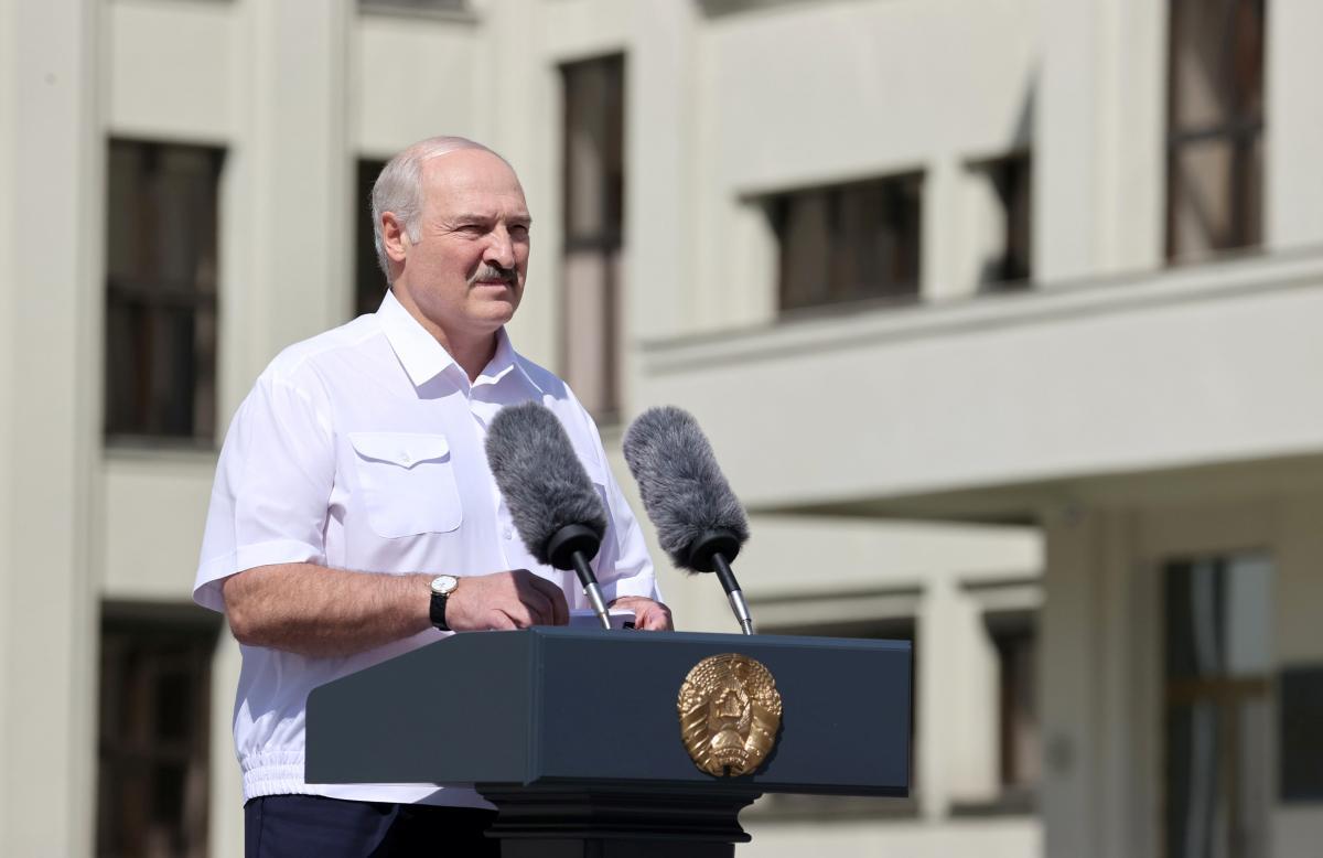 Из-за Лукашенко Беларуси грозит жесткий карантин, узнали журналисты – Лукашенко новости сегодня