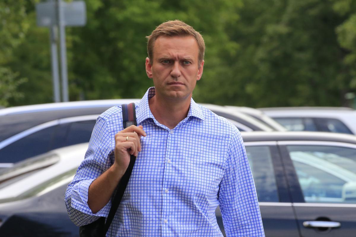 У РФ правоохоронці вважають, що Навальний міг отруїтися після того, як сам щось випив, дізналися журналісти – Навальний отруєння