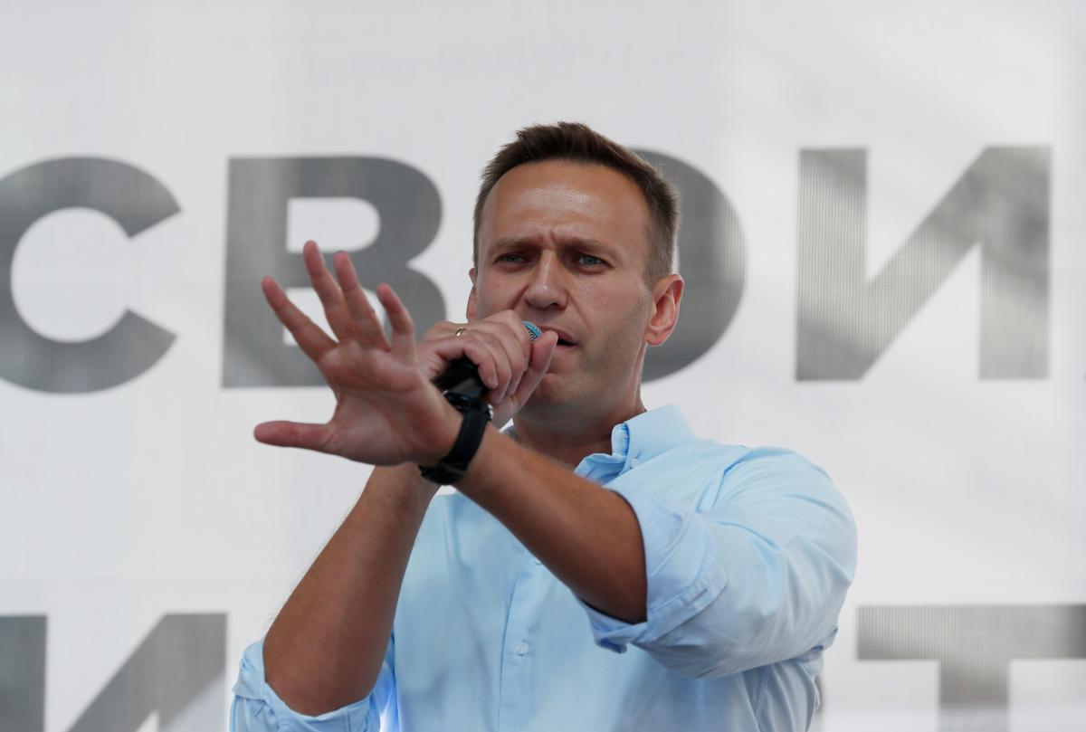 Олексій Навальний на мітингу перед своїми прихильниками